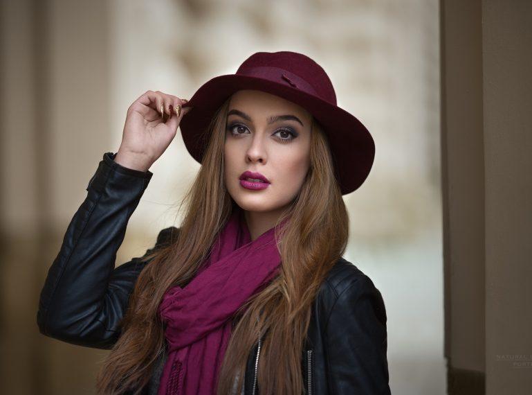 Trudna sztuka makijażu. Jak używać fioletowych cieni poprawnie?