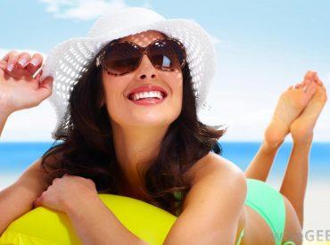 Idzie lato, więc nasza skóra codziennie narażona jest na większą dawkę promieniowania słonecznego niż zwykle. Warto zadbać o ochronę przeciwsłoneczną choćby dlatego, że w dużych dawkach słońce jest dla nas szkodliwe. Na początek trzy popularne skróty, które dla wielu osób mogą brzmieć tajemniczo: ● SPF – wskaźnik oznaczający stopień ochrony przez promieniowaniem UVB, który może […]