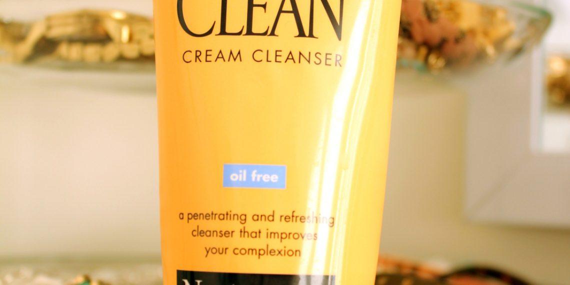 Oczyszczamy skórę z Neutrogeną. Jak działa Deep Clean Cream Cleanser?