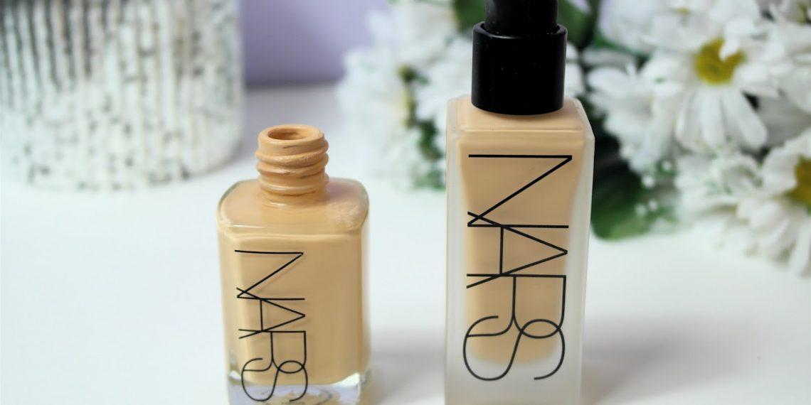 Podkład Sheer Glow od NARS. Czy to najlepszy kosmetyk, jaki kiedykolwiek miałam?