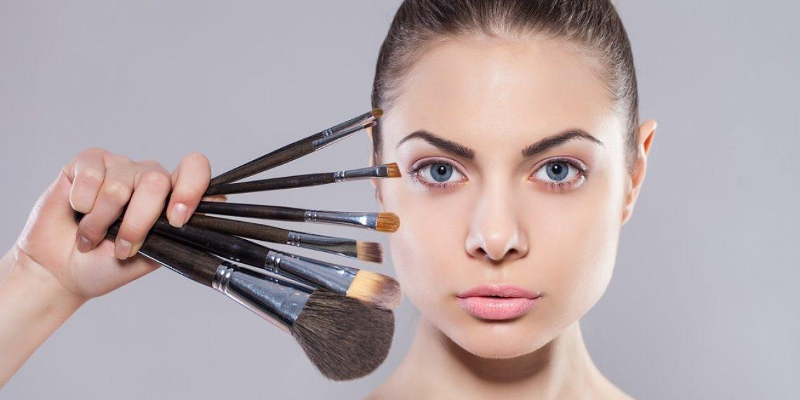 Konturowanie twarzy – tych błędów nie popełniaj