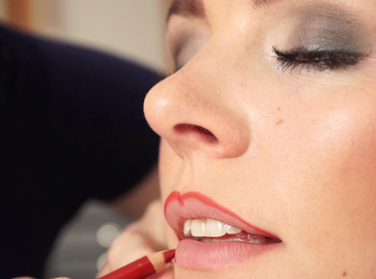 Jak się malować, żeby nie żałować? Najczęstsze błędy w makijażu ust