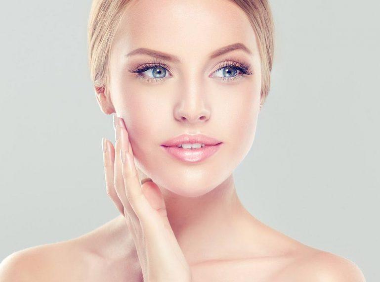 Czy kosmetyki z retinolem są skuteczne? Efektywna pielęgnacja każdego rodzaju skóry